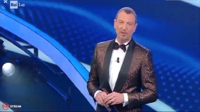 Sanremo 2020 look 6 febbraio Amadeus