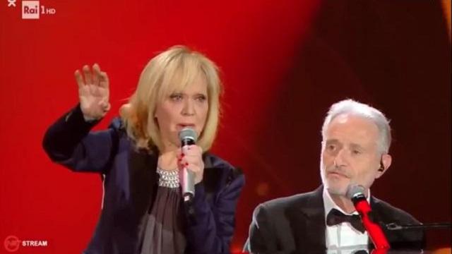 Sanremo 2020 look 6 febbraio Rita Pavone