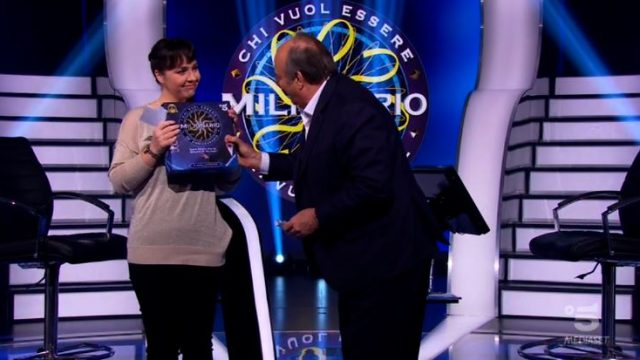 Chi vuol essere milionario diretta 4 marzo - Laura Leonardi sbaglia ma vince 30mila euro