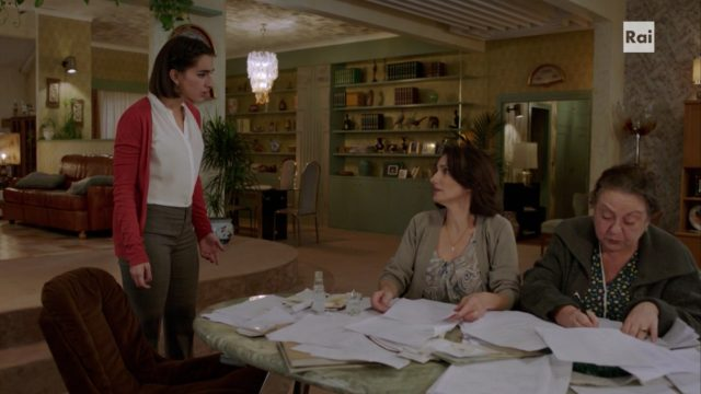 I Topi 2 - Carmena discuta con Betta e Zia Vincenza