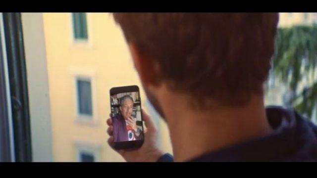 Spot in TV WindTre - Il papà di Niccolò chiama Fiorello