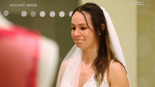 Cambio moglie diretta 27 maggio sposa