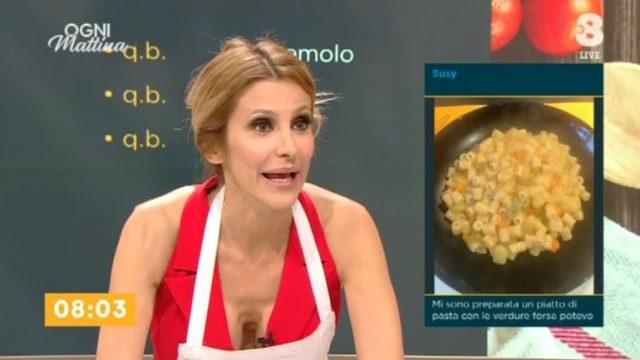 Ogni mattina diretta 29 giugno su Tv8 - Adriana Volpe legge i messaggi da casa