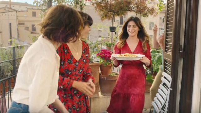 Spot in TV Barilla grano italiano - Sergio Rubini mangia in terrazza con gli amici