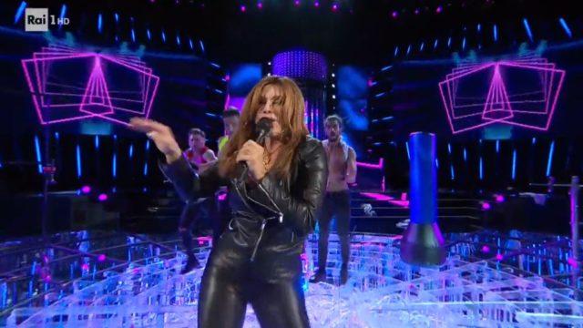 Tale e Quale Show diretta 25 settembre - Carmen Russo imita Sabrina Salerno