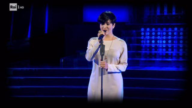 Carolina Rey canta La Notte di Arisa