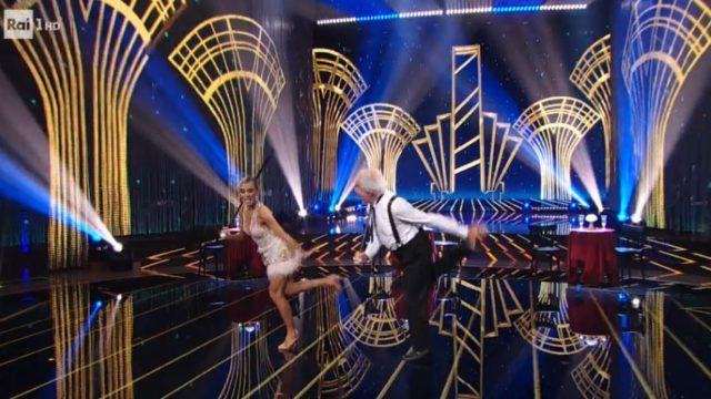 Ballando con le Stelle 19 settembre, diretta - Prima esibizione per la coppia Tullio Solenghi e Maria Ermachkova