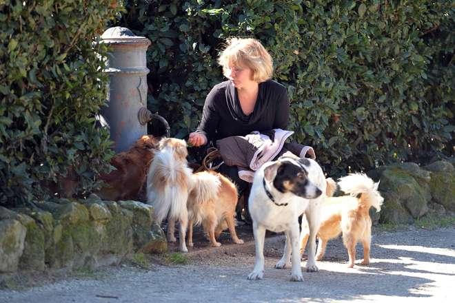 GF Vip 5 Flavia Vento con i cani nella casa