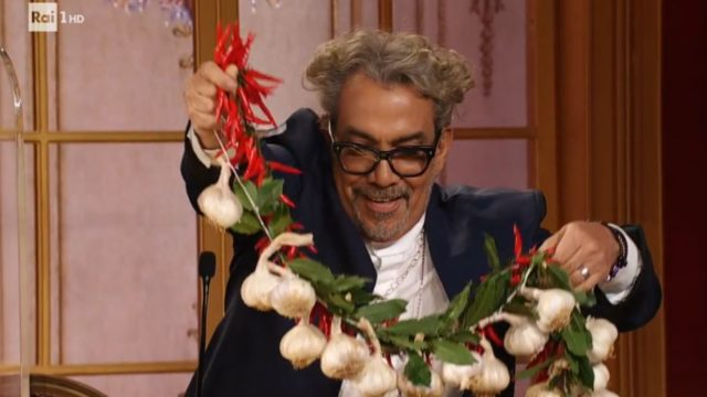 Ballando con le Stelle 26 settembre, diretta - Mariotto stende la treccia d'aglio