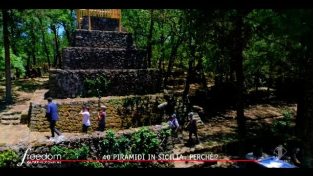 Freedom - Oltre il confine diretta 11 settembre - le 40 piramidi sull ependici dell'Etna
