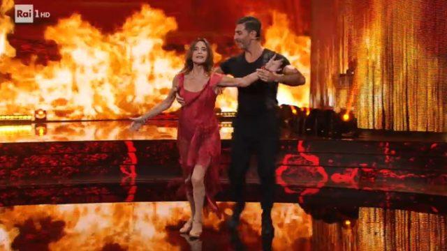 Ballando con le Stelle 19 settembre, diretta - La coppia LinaSastri e Simone Di Pasquale