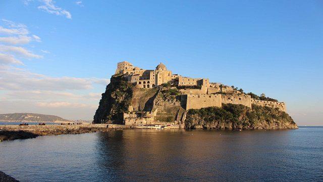 Linea Blu 19 settembre castello aragonese