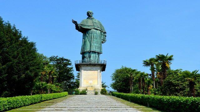 Linea blu 12 settembre statua