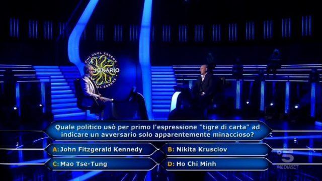 Chi vuol essere milionario 17 settembre, diretta - L'ottava domanda del concorrente Alberto Spiazzi