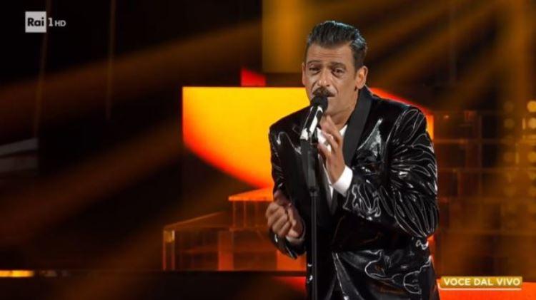 Tale e quale show diretta 25 settembre, scaletta, imitazioni, Lino Guanciale