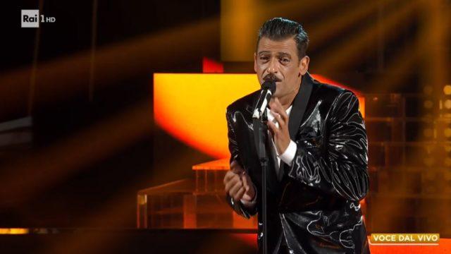 Tale e Quale show 18 settemrbe - Pago imita Francesco Gabbani