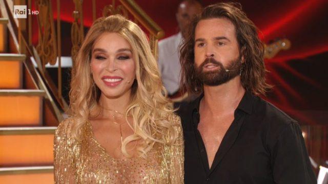 Ballando con le stelle 19 settembre, diretta - Vittoria Schisano e Marco De Angelis