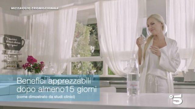 Federica Panicucci testimonial Acqua Essenziale
