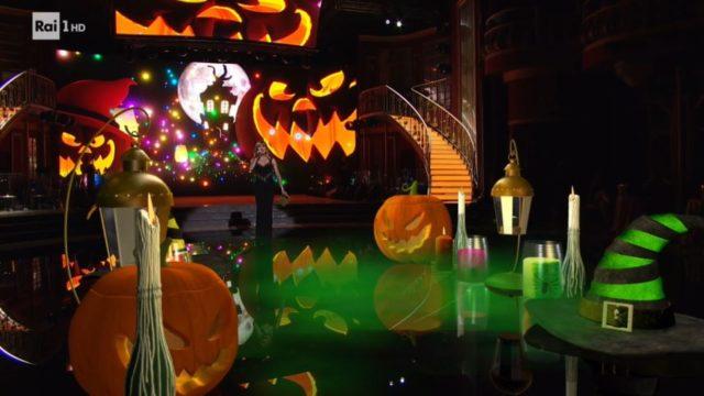 Ballando con le STelle 31 ottobre, diretta, lo studio a tema Halloween