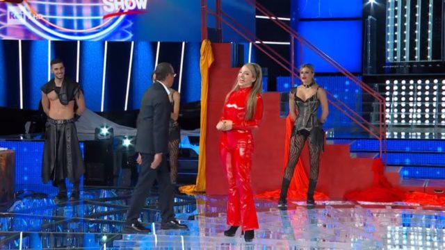 Tale e Quale Show 2 ottobre, diretta - Carolina Rey imita Britney Spears