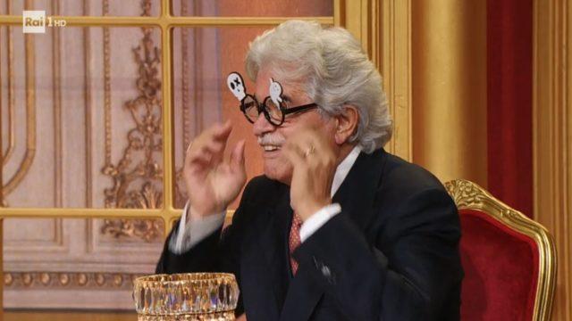 Gli occhiali di Antonio Razzi per Halloween