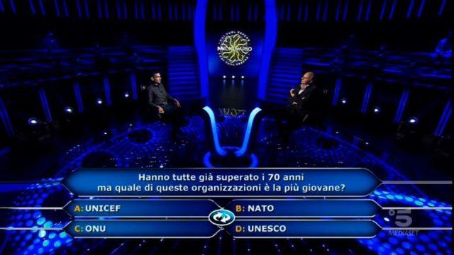 Chi vuol essere milionario 22 ottore, diretta - Dodicesima domanda Damiano Aresu