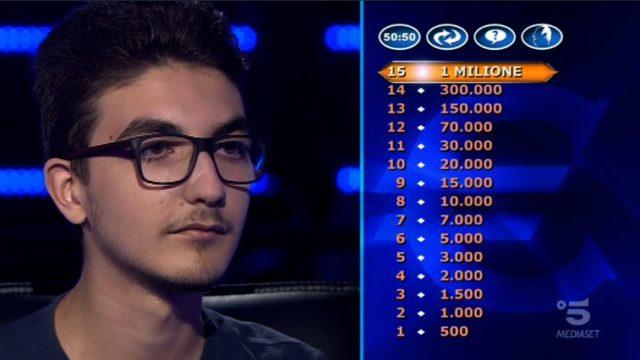 Chi vuol essere milionario 15 ottobre, diretta, secondo concorrente Chris Joseph Caraccioli