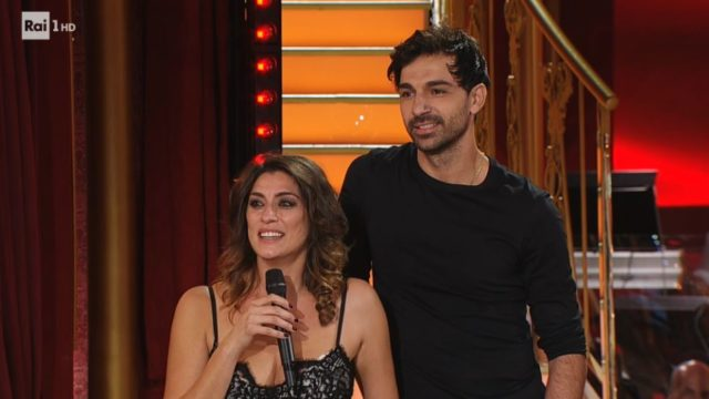 Ballando con le Stelle 24 ottobre, diretta - Elisa Isoardi e Raimondo Todaro parla no con la giuria