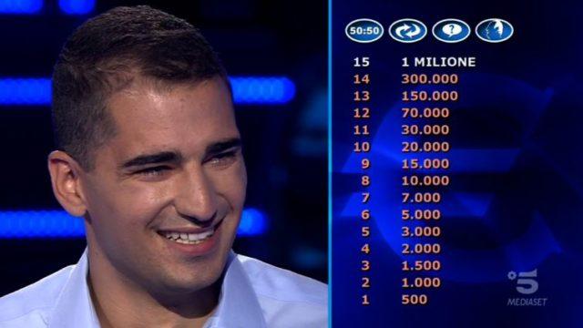 Chi vuol essere milionario 1 ottobre, diretta, il secondo concorrente si chiama Jona Motta e viene da Bergamo