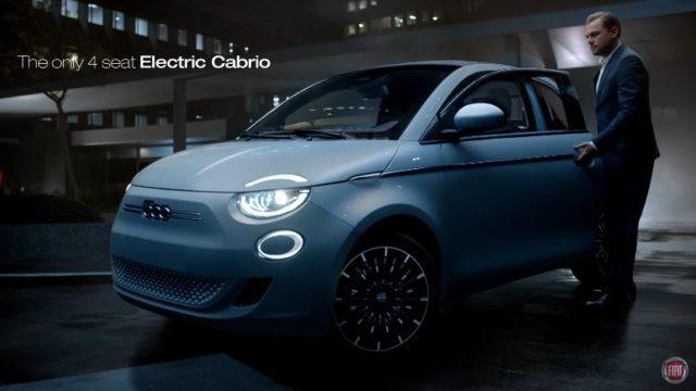 Spot in TV Fiat 500 elettrica - Leonardo Di Caprio sale sulla versione cabrio