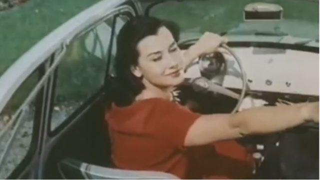 Il fotogramma di una vecchia pubblicità della Fiat 500