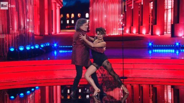 Red Canzian Ballerino per una notte balla il tango