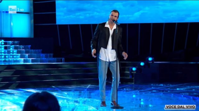 Sergio Muniz imita Miguel Bosé