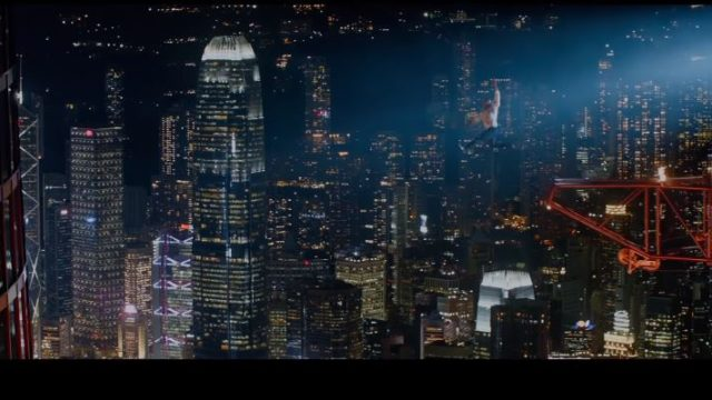 Skyscraper film Canale 5, trama