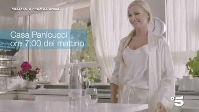 Spot in tv Acqua Essenziale con Federica Panicucci e Adriana Volpe