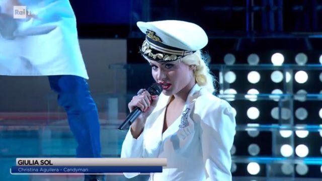 Tale e Quale Show 9 ottobre, diretta, Giulia Sol imita Christina Aguilera