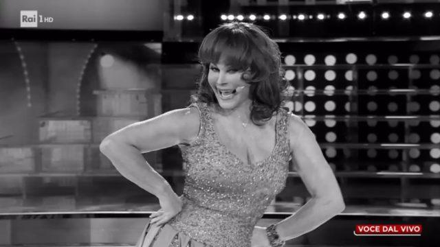 Tale e Quale Show 16 ottobre, diretta, Carmen russo imita Sophia Loren