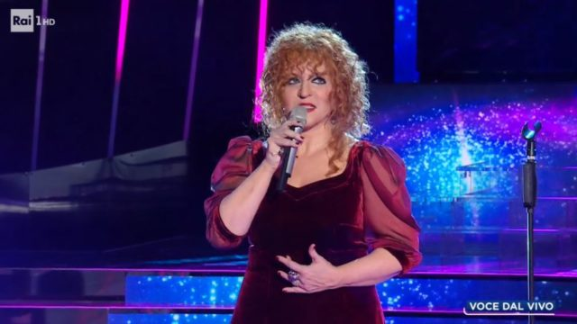 Tale e Quale Show 23 ottobre, diretta - Barbara Cola imita Fiorella Mannoia