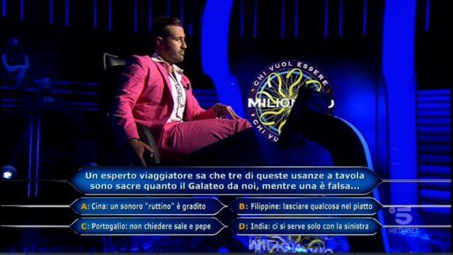 Chi vuol essere milionario 29 ottobre, l'undicesima domanda di Valerio Liprandi