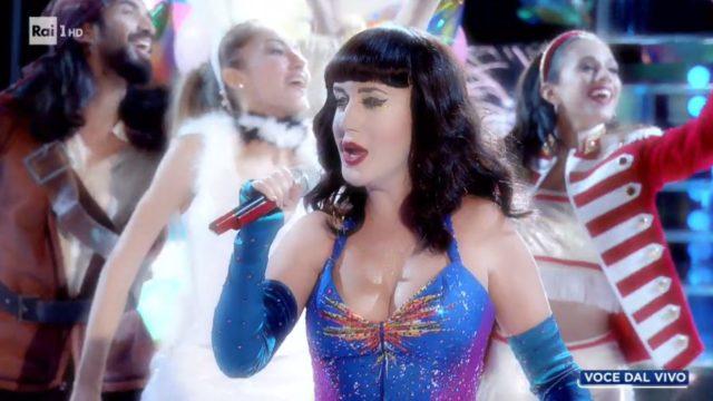 Tale e Quale Show diretta 6 novembre, Jessica Morlacchi imita Katy Perry
