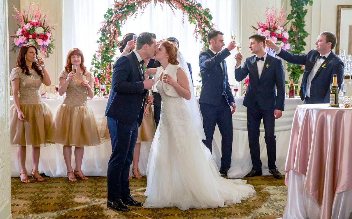 Fiori e delitti Matrimonio a caro prezzo film finale
