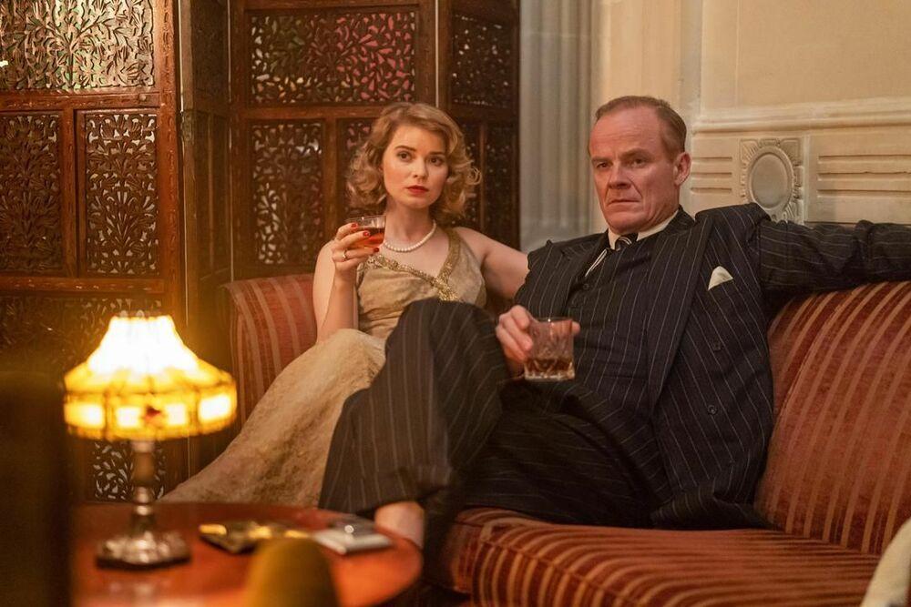 Agatha e gli omicidi di mezzanotte film attori