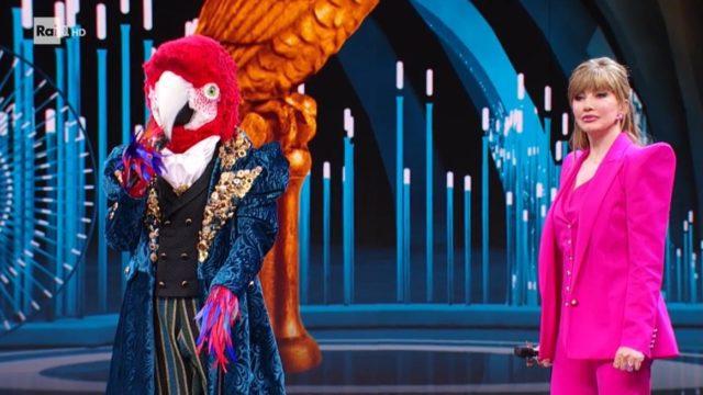 Il cantante mascherato 5 febbraio pappagallo