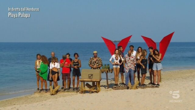 Isola dei Famosi 2021 diretta 29 aprile playa palapa