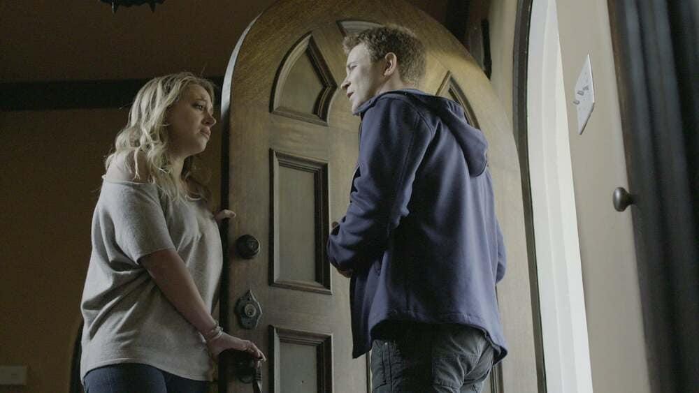 Il ragazzo della porta accanto film finale