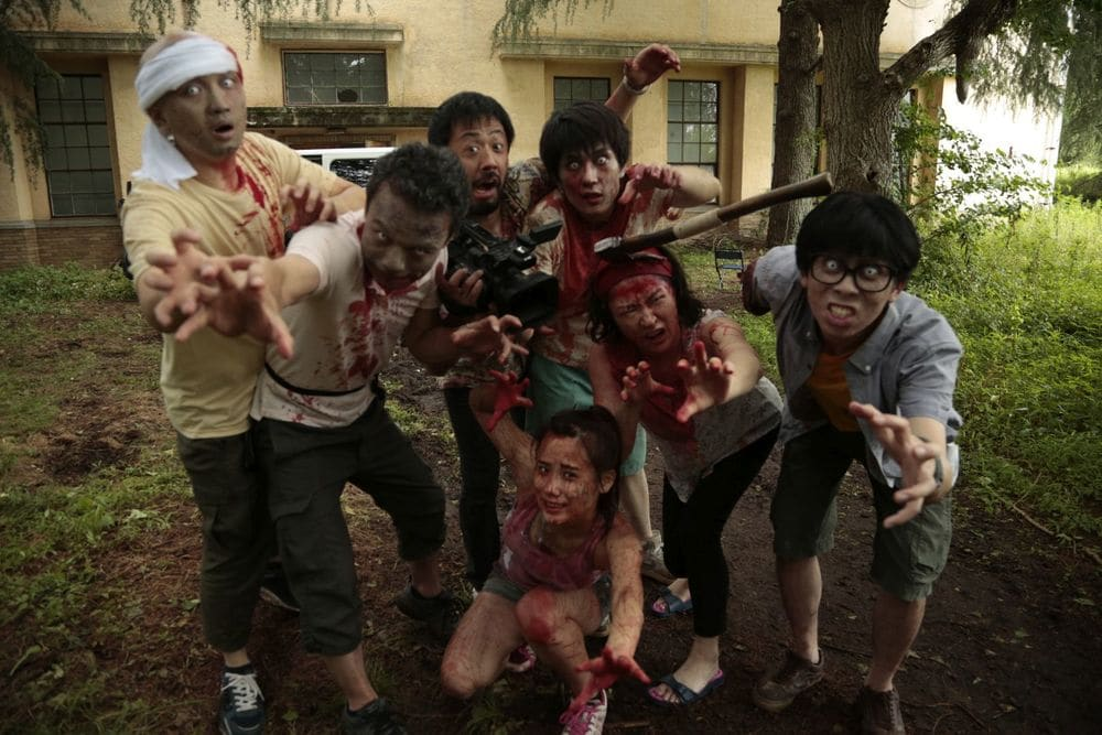 Zombie contro zombie film attori