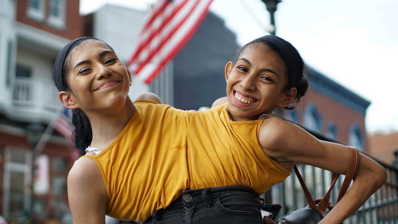 Due sorelle un corpo solo Carmen e Lupita