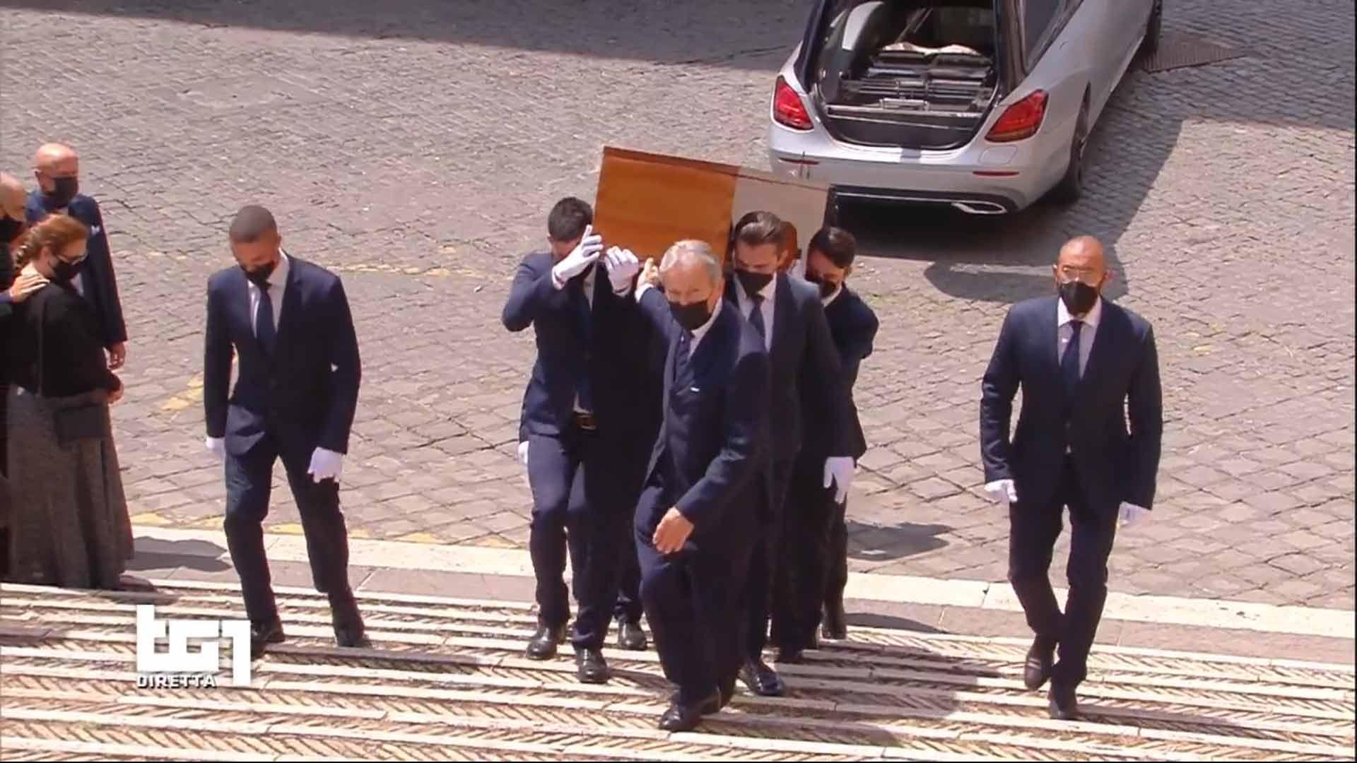 Raffaella Carrà funerali Rai 1