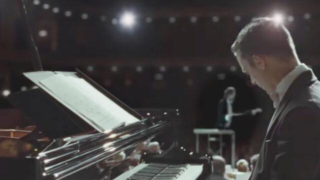 Il Ricatto film Iris Elijah Wood pianoforte