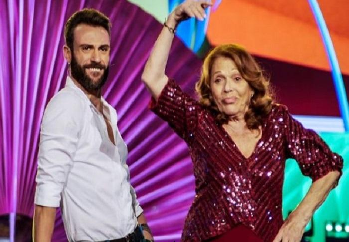 Ballando con le stelle 16 ottobre diretta Valeria Fabrizi in pista